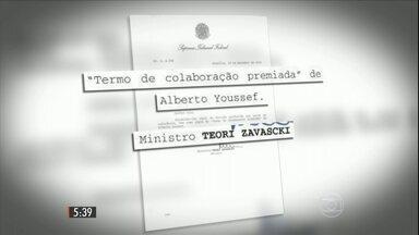 Acordo de delação premiada de Alberto Youssef é concluído - Doleiro está preso desde 17 de março de 2014 na sede da PF em Curitiba. Youssef se comprometeu a abrir mão de contas bancárias e investimentos.