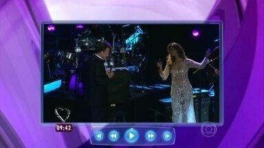 Vocalista da banda Cheiro de Amor já encantou Julio Iglesias; confira! - Vina Calmon cantou com um dos ícones da música mundial
