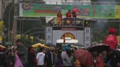 Carnaval de Curitiba começa amanhã com a animação do bloco Garibaldis e Sacis - A festa começa às três da tarde, na Avenida Marechal Deodoro.