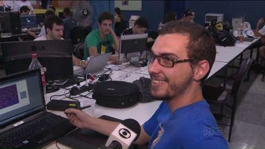 Em Curitiba, jovens criam jogos que simulam a realidade - Jovens de até 22 anos criam e se divertem com jogos