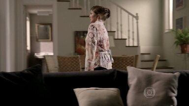 Jurema espera por Reginaldo - Cora discute com Xana