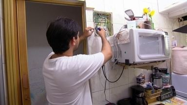 Confira gasto de energia de cada aparelho e saiba como reduzir conta - Além da falta de energia, há crise d´água. Reservatórios no Sudeste, Centro-Oeste e Nordeste têm situação crítica.