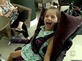 Catarinense de 3 anos sofre de doença rara e busca apoio para tratamento em um blog - Catarinense de 3 anos sofre de doença rara e busca apoio para tratamento em um blog