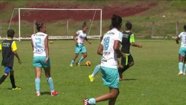 Meninas do Foz Cataratas estão preparadas para Copa do Brasil - Estreia na competição está marcada para 4 de fevereiro. Time enfrentou o sub-15 do Coxa neste final de semana