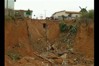 Defesa Civil interdita oito casas que podem ser destruídas por erosão em Rondon do PA - Famílias serão remanejadas para áreas seguras.