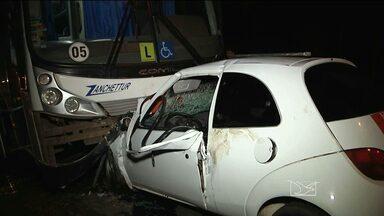 Em Imperatriz, uma pessoa ficou ferida em um acidente na BR-010 - O motorista do carro ficou preso às ferragens.