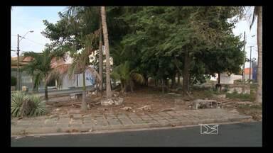 Praças sem manutenção incomodam moradores em São Luís - Praças sem manutenção incomodam moradores em São Luís