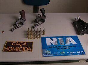 Dois revólveres e 28 balas foram apreendidas na casa de um homem em Caruaru - Proprietário foi encaminhado para a Penitenciária Juiz Plácido de Souza.