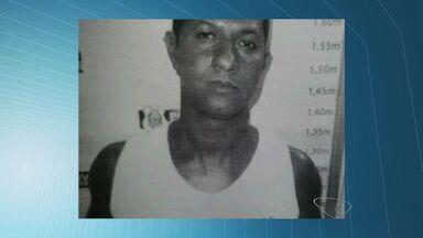 Agente penitenciário é preso após sacar arma contra policiais, no ES - Ele colidiu com carro que seguia na contramão e fugiu após acidenteSuspeito foi autuado por embriaguez ao volante e porte ilegal de arma.
