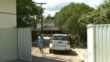César Borges tem casa de praia invadida por ladrões - O crime aconteceu em Vera Cruz, na Ilha de Itaparica, enquanto familiares e amigos comemoravam o aniversário do ex-ministro.