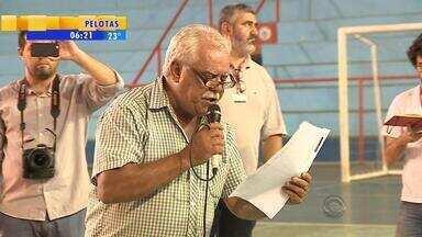 Proposta apresentada por sindicato de rodoviários é adiada em Porto Alegre - A prorrogação vai até quarta-feira (4).