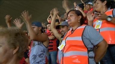Mães de integrantes de organizadas fizeram a segurança no clássico entre Sport e Náutico - Estratégia é inédita no futebol brasileiro.