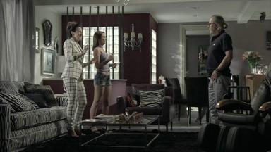 Magnólia instrui Noely e Severo observa a moça - Perua transforma a jovem em governanta de sua casa