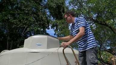 Crise no abastecimento de água inflaciona preço do caminhão-pipa em Salto - A crise no abastecimento de água inflacionou o preço do caminhão-pipa em Salto (SP). No Jardim Diocesano, os poços artesianos secaram e está é a única forma de garantir água em casa.
