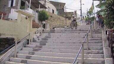 Santos recebe mais uma edição do Downhill Urbano - A cidade irá receber no próximo fim de semana, os pilotos que irão disputar a 13ª Descida das Escadas de Santos. Os competidores vão encarar mais de 400 degraus na descida do Monte Serrat.