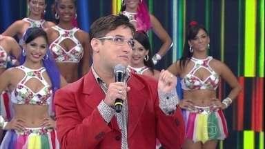 Felipe Pontes incorpora Téo Pereira e conta fofocas do Domingão - Saiba as novidades do 'blogueiro'!