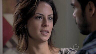 Maria Clara revela para José Pedro que Maria Marta confirmou que foi casada com Silviano - Pedro fica chocado com a informação