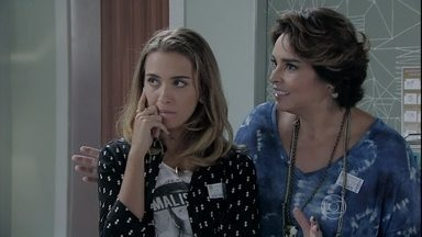 Beatriz e Bianca tentam expulsar Severo e Magnólia do hospital - Enrico encontra o casal antes de entrar no quarto do pai