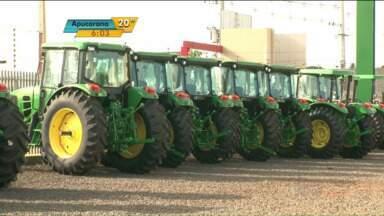 Venda de máquinas agrícola cai no Paraná - Produtores preferem consertar as máquinas a adquirir novos equipamentos.