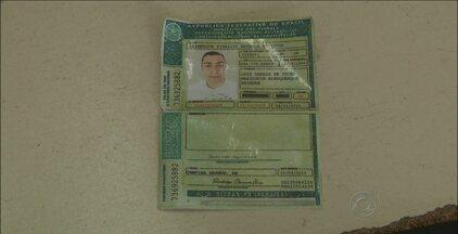 Homem é preso com carteira de habilitação falsa em Campina Grande - Segundo o acusado, a CNH foi comprada na fila de um banco.