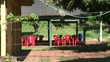 Uma pessoa é morta e três são baleadas em Paranavaí - O crime foi neste domingo no bar de um antigo pesqueiro em Paranavaí.