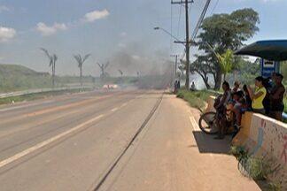 Ação de reintegração de posse é realizada no distrito de Jundiapeba, em Mogi das Cruzes - Os moradores do local fizeram uma manifestação contra a ação.