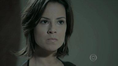 Clara humilha Marta - Silviano acredita que pode ser pai de José Pedro