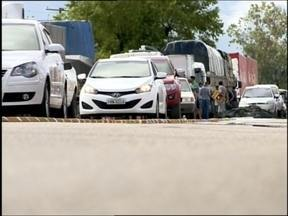 Manifestação dos caminhoneiros deixa o trânsito complicado no entorno de Pelotas - A passagem dos caminhões segue impedida em três trechos da BR 392 e um ponto da BR 116 em Capão do Leão.