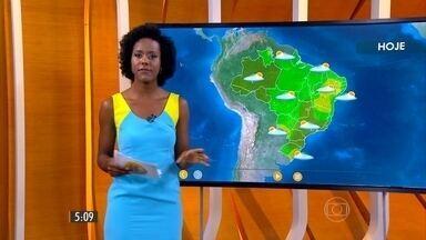 Confira como fica o tempo nesta quinta-feira (26) em todo o país - Previsão é de pancadas de chuva, típicas de verão, na maior parte do Brasil.