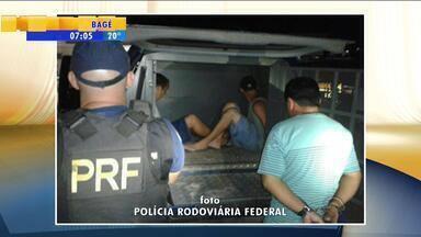 Três homens são presos após apedrejarem caminhões na BR-392 - Prisão ocorreu em Pelotas, RS.