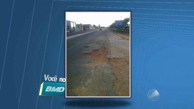 Telespectadora envia fotos com buracos na BA-409, região de Serrinha - Veja no quadro Você no BMD.