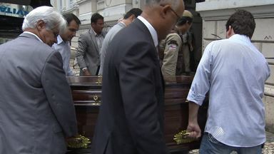 Corpo de Zezéu Ribeiro, ex-conselheiro do Tribunal de Contas, é velado em Salvador - Político sofreu uma hemorragia digestiva.