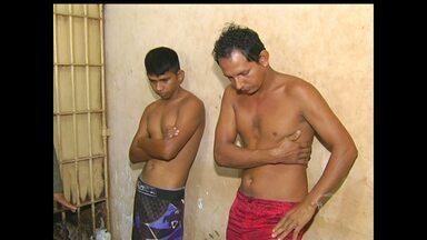 Presos por tráfico de drogas são transferidos para penitenciária - Prisão aconteceu na tarde de quarta-feira (25).