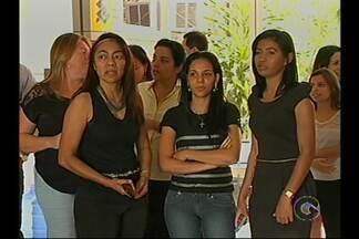 Servidores do Tribunal de Justiça de Pernambuco fizeram paralisação nesta quinta (26) - Em todo o estado, eles cruzaram os braços para cobrar novo plano de carreiras.