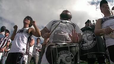 Torcida vai em peso apoiar o Operário em Curitiba - O time jogou contra o J. Malucelli, no Ecoestádio.