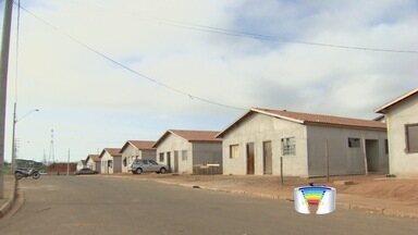 Prefeitura adia reintegração de posse em obra de casas em Taubaté, SP - Cerca de 40 famílias deveriam deixar área no S. Gonçalo nesta segunda (2).