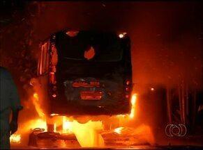 Mais três ônibus são queimados em Araguaína - Mais três ônibus são queimados em Araguaína