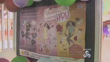 Campanha contra HPV começa e novo público alvo são meninas a partir de 9 anos de idade - Começou a nova campanha de prevenção do HPV, o vírus que causa o câncer do colo do útero. No ano passado a campanha não atingiu a meta estabelecida pelo Ministério da Saúde. O público alvo agora são meninas a partir de 9 anos de idade. Outra novidade é a busca por mulheres portadoras de HIV.