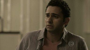 Marcão decide contar o que fez a mando de Maurílio - José Alfredo pensa na prisão do vilão