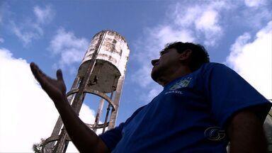 Moradores de conjunto em Jacarecica temem desabamento de caixa d´água - Caixa serve para abastecer água em todo conjunto.