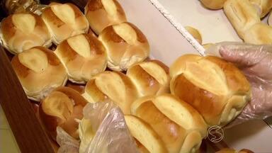 Alta do dólar causa prejuízos para donos de padarias de Volta Redonda, RJ - Pães podem ficar mais caros, porque estoque de trigo importado usado na fabricação das massas, está acabando.