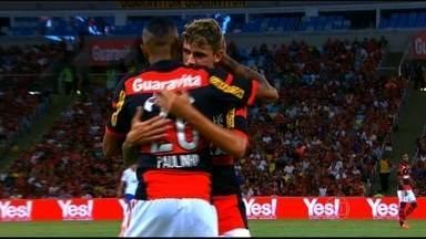 Com faro de gol, Paulinho deixa o seu na vitória do Flamengo sobre o Volta Redonda - Com troca de camisas no fim do primeiro tempo, rubro-negro volta pro campo com a camisa tradicional e assume a vice-liderança do campeonato.