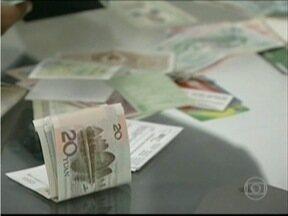 Justiça concede liberdade a acusados de fraudes em vestibulares em Teófilo Otoni - Eles foram presos em novembro de 2014.