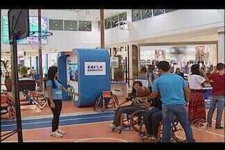 Iniciativa em Uberlândia proporciona vivenciar desafios de paratletas - Experimentando Diferenças convida o público a simular competições esportivas, junto com paratletas, em equipamentos adaptados
