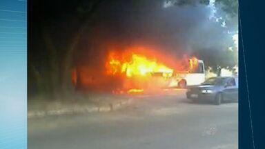 Polícia prende suspeito de ordenar ataques a ônibus em Fortaleza - Três ônibus foram incendiados em Fortaleza nesta sexta-feira.