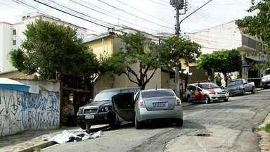 Dois suspeitos morrem em tiroteios com policiais militares - Foi depois que uma quadrilha rendeu uma família em Osasco e ainda tentou sacar dinheiro no Rio Pequeno, zona oeste da capital