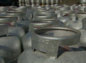 Em Pernambuco, preço do botijão de gás de cozinha tem reajuste de 12% - Após o aumento, o valor do produto pode variar entre R$ 42 e R$ 55.