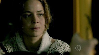 Cristina enfrenta Zé Pedro - Ela afirma que sente pena do irmão. Silviano questiona Zé Pedro sobre o próximo contato com Zé Alfredo