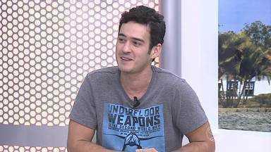 Marcos Veras participa de entrevista no estúdio do RJTV - Humorista apresenta espetáculo de humor 'Falando a Veras' neste sábado (14), em Volta Redonda.