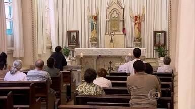 Igrejas de BH participam da iniciativa '24 horas para o Senhor' - Elas estão abertas desde ontem à noite, recebendo fiéis para a confissão.